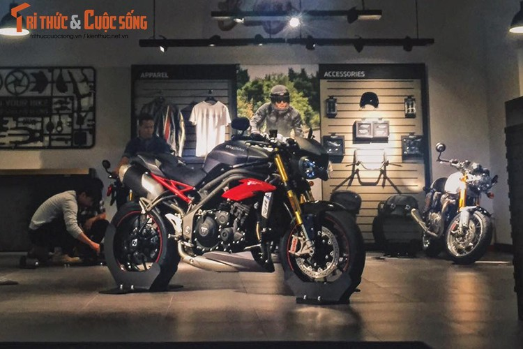 Moto Triumph Speed Triple R chinh hang gia 699 trieu tai VN