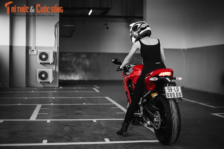 Chan dai cam lai Ducati SuperSport dau tien tai Viet Nam-Hinh-10