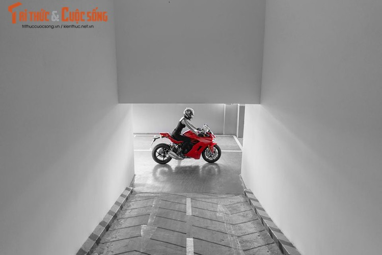 Chan dai cam lai Ducati SuperSport dau tien tai Viet Nam-Hinh-14