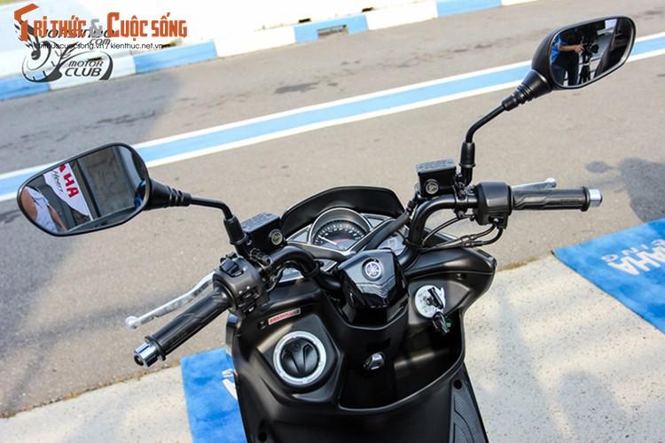 """Yamaha ra mat SMax 155 ABS gia 80 trieu """"dau"""" Honda PCX-Hinh-4"""