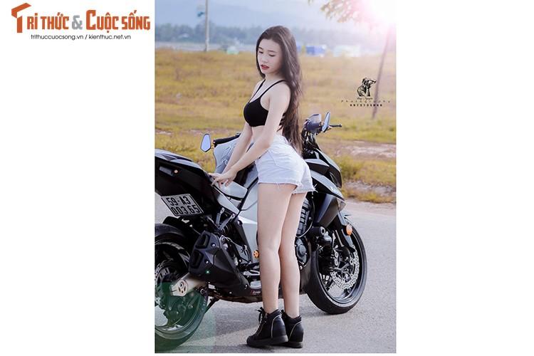 """Gai xinh Sai Gon khoe dang """"nuot"""" ben moto Kawasaki Z1000-Hinh-4"""