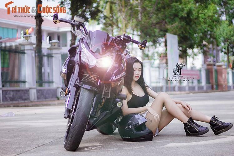 """Gai xinh Sai Gon khoe dang """"nuot"""" ben moto Kawasaki Z1000-Hinh-6"""