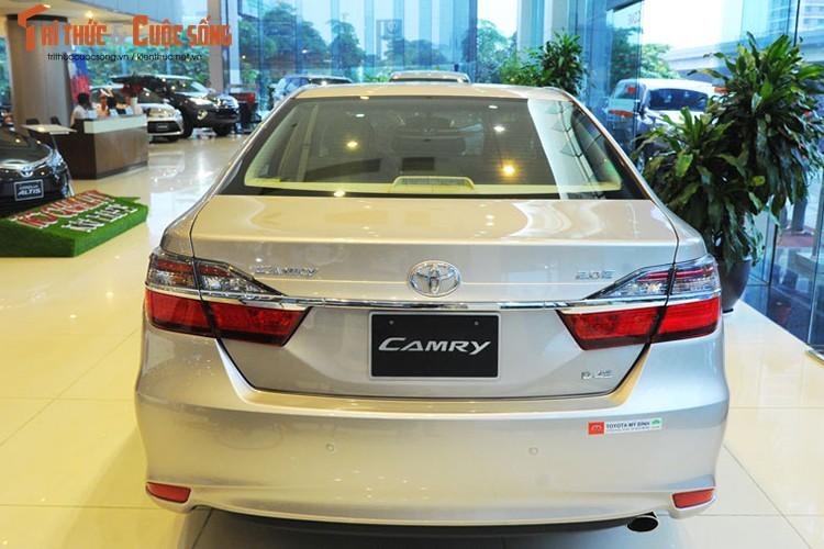 Can canh Toyota Camry moi gia chi 947 trieu tai Ha Noi-Hinh-3