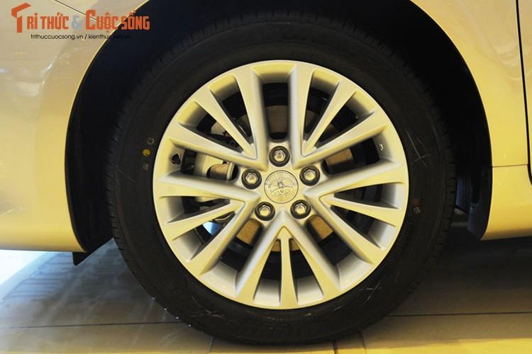 Can canh Toyota Camry moi gia chi 947 trieu tai Ha Noi-Hinh-4