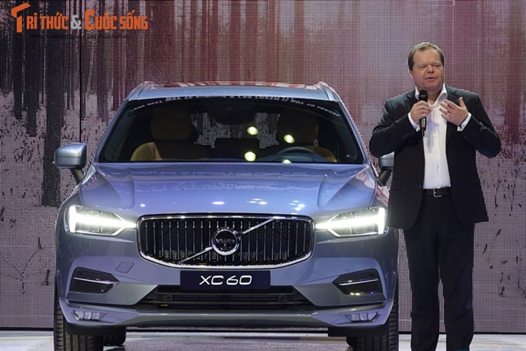 """Volvo XC60 2018 """"chot gia"""" 2,45 ty dong tai Viet Nam"""