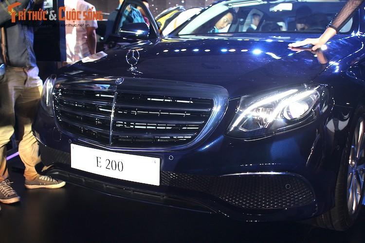 Can canh Mercedes E-Class 2017 gia hon 2 ty tai VN-Hinh-4
