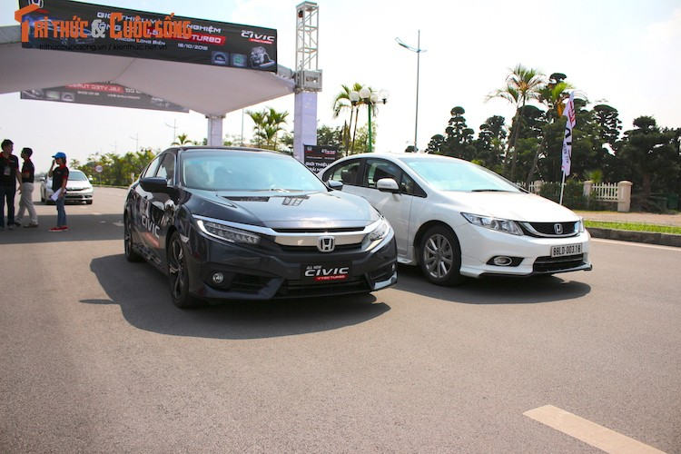 Cam lai Honda Civic 2017 i-VTEC Turbo 1.5l tai Ha Noi