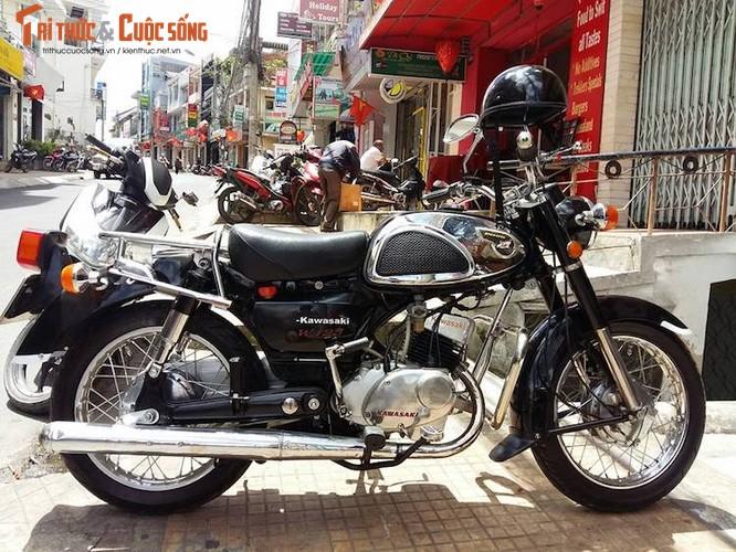 Moto Kawasaki hon 40 tuoi gia hon 100 trieu dong tai VN