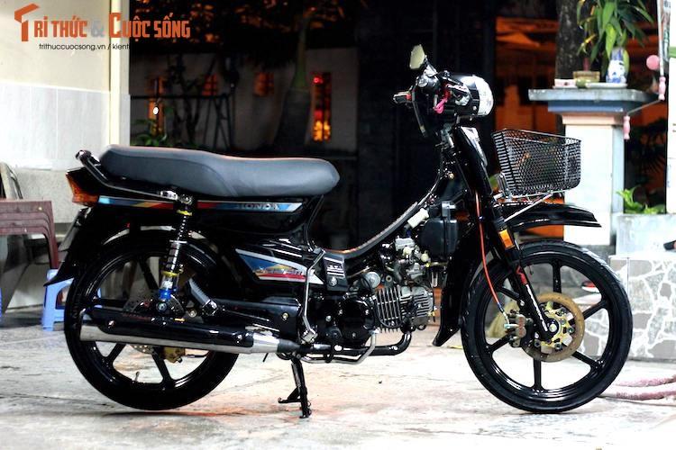 """Honda Dream II Thai Lan do """"sieu an tuong"""" o Sai Gon"""