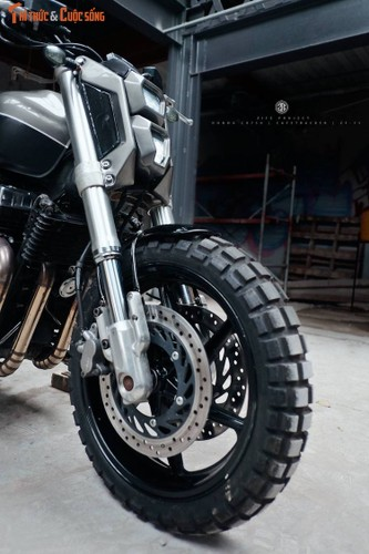 "Honda CB750 ""lot xac"" cafe tracker don Tet tai Ha thanh-Hinh-4"