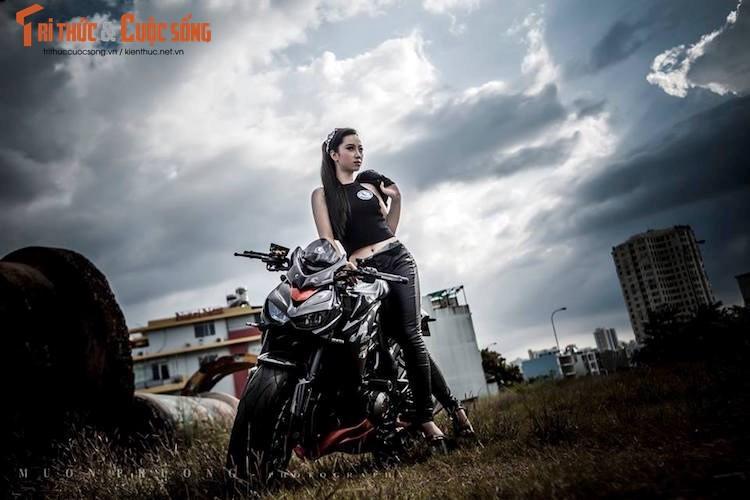 """Nguoi dep Viet """"do dang chuan"""" ben Kawasaki Z1000"""