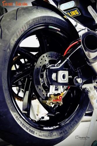 Biker Sai Gon chi tram trieu do BMW S1000R choi Tet-Hinh-8