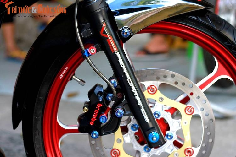 Dan choi Sai Gon do Suzuki Satria F150