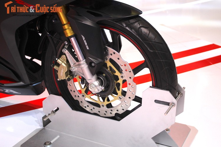 "Chi tiet ""hang nong"" Honda CBR250RR dau tien tai Viet Nam-Hinh-4"