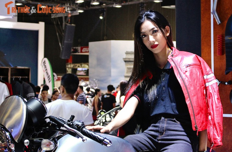 """Bong mat"" ngam chan dai Viet tai trien lam VMCS 2017-Hinh-10"