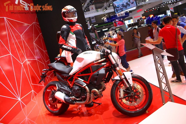 Ducati Monster 797 gai 388 trieu tai Viet Nam co gi?