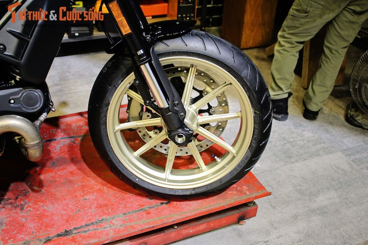 """""""Ca phe Y"""" Ducati Scrambler Cafe Racer gia 431 trieu dong-Hinh-3"""