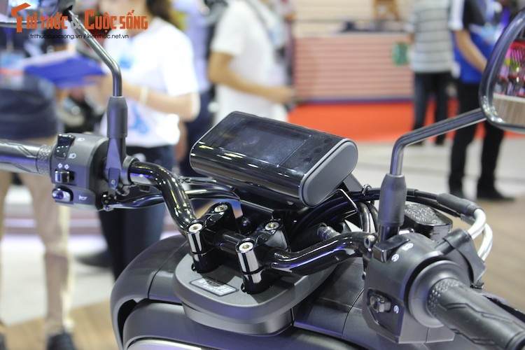 "Xe may tay ga mini ""hang doc"" Yamaha QBIX tai Viet Nam-Hinh-4"