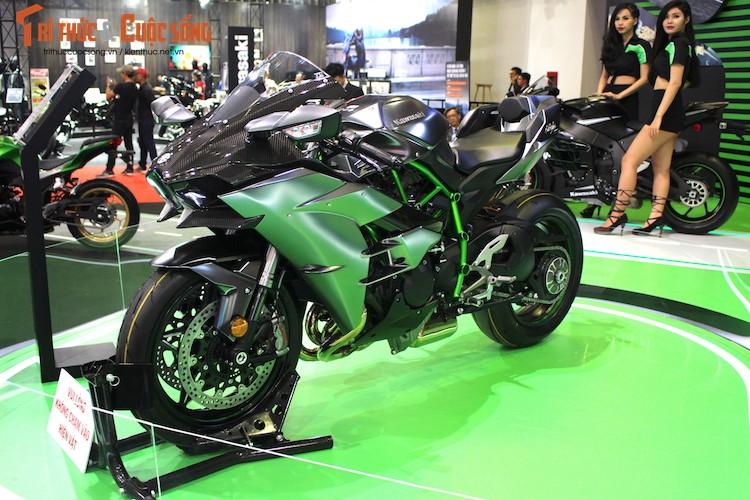 """Moto """"khung"""" Kawasaki Ninja H2 Carbon tien ty tai VN"""