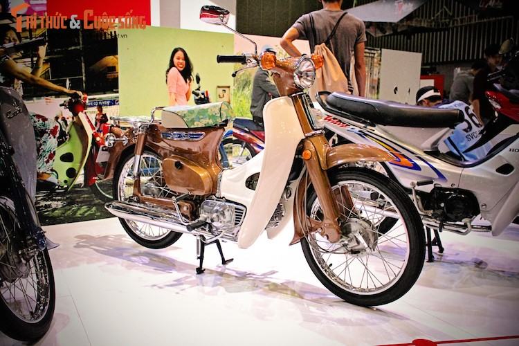 "Honda Super Cub ""dau venh may canh"" moi cung tai VN"