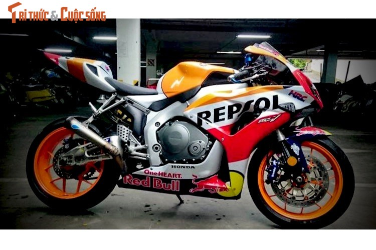 Dan choi Binh Duong do sieu moto Honda CBR1000RR-Hinh-5