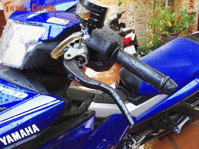 """Dan choi Hue """"dap thung"""" Yamaha Exciter 150 thay chan khung-Hinh-4"""