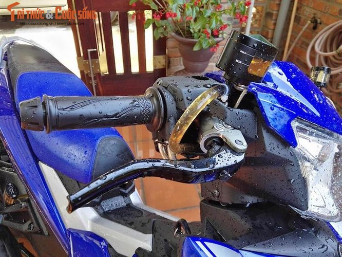 """Dan choi Hue """"dap thung"""" Yamaha Exciter 150 thay chan khung-Hinh-5"""