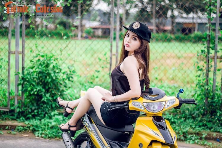 """Chan dai Viet ben """"xe no"""" Yamaha 125ZR hon 200 trieu"""