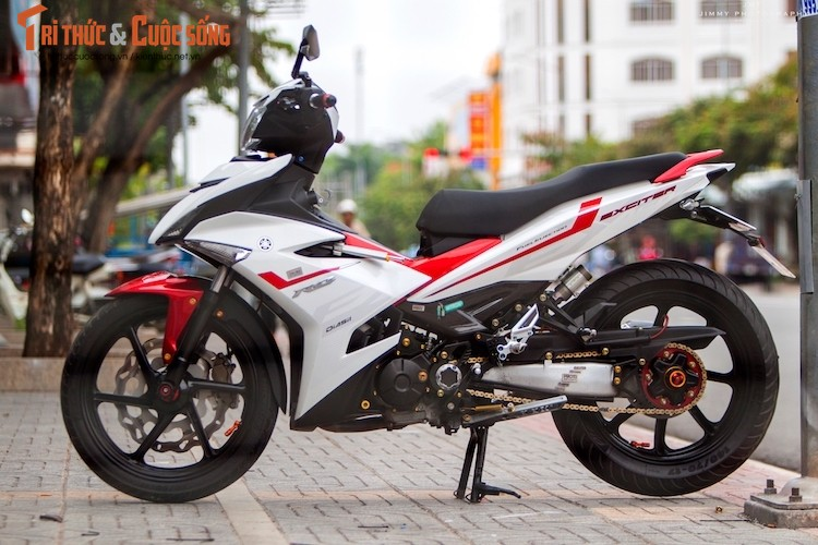 "Yamaha Exciter ""do chan dai"" Honda NSR150 o Sai Gon"