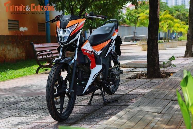 Xe may Honda Sonic 150R gia 90 trieu do doc tai VN