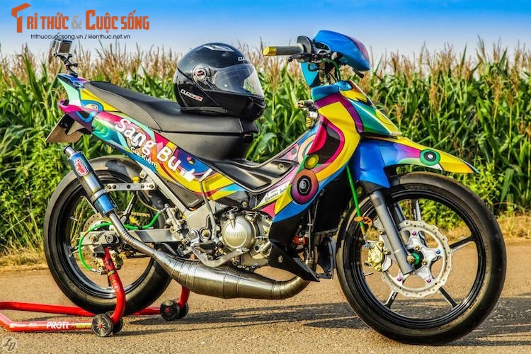"""""""Ca map"""" Yamaha Z125 do xe dau, son airbrush tai VN"""
