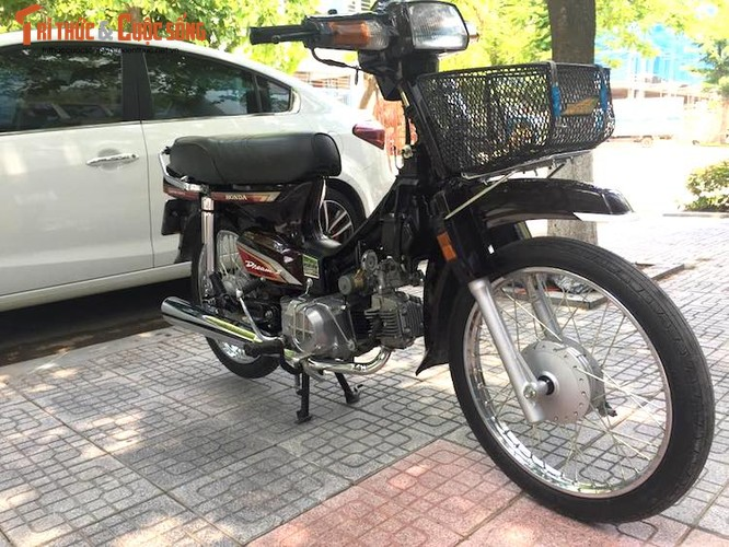 "Xe may Honda Dream II bien ""khung"" gia 200 trieu tai Ha Noi-Hinh-2"
