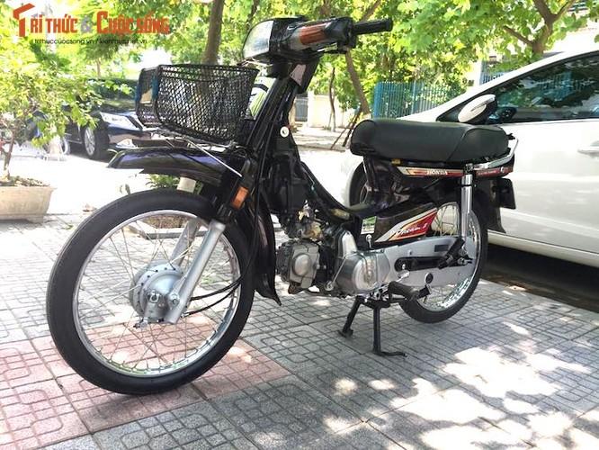 """Xe may Honda Dream II bien """"khung"""" gia 200 trieu tai Ha Noi"""
