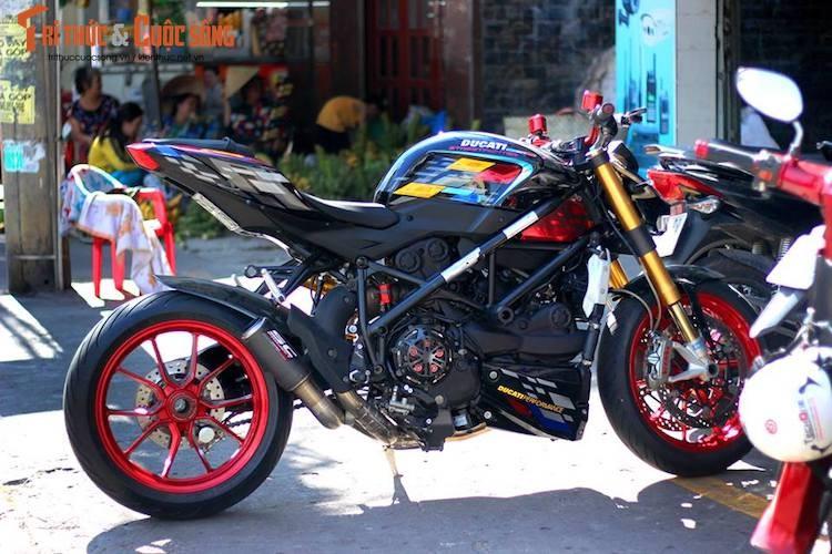 """Dan choi Viet do kieng moto Ducati Streetfighter """"sieu chat""""-Hinh-8"""