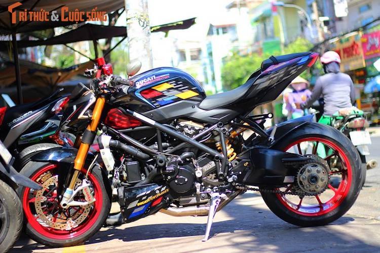 """Dan choi Viet do kieng moto Ducati Streetfighter """"sieu chat"""""""
