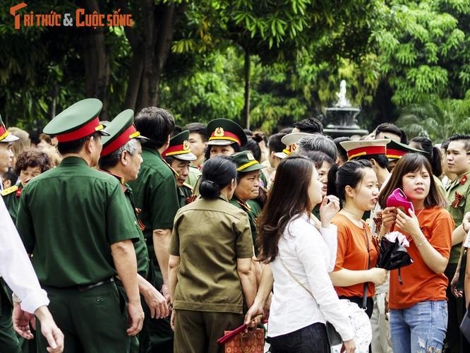 """Can canh le dieu hanh """"Trung doan Bat tu"""" tai Ha Noi-Hinh-3"""