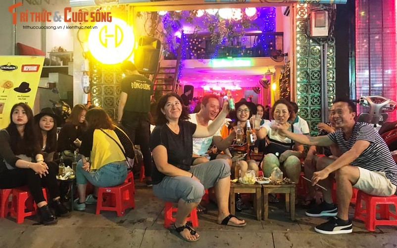 Anh: Hoanh trang le khai truong pho di bo Bui Vien-Hinh-8