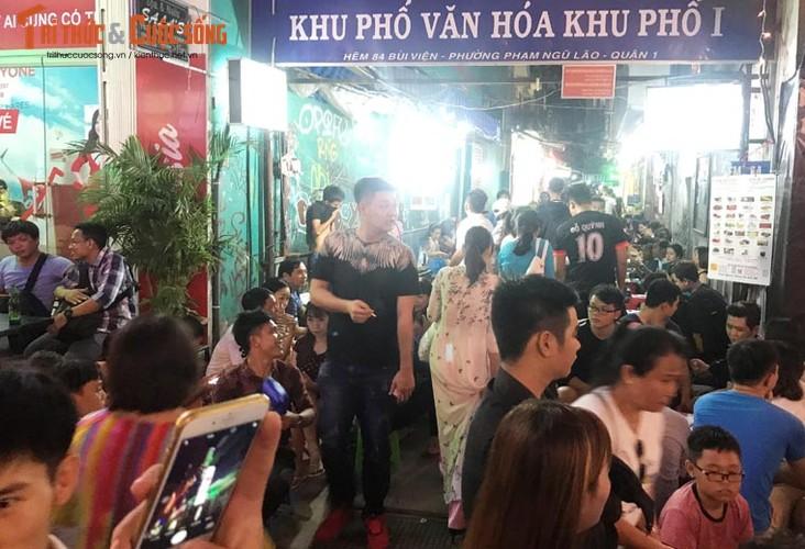 Anh: Hoanh trang le khai truong pho di bo Bui Vien-Hinh-9